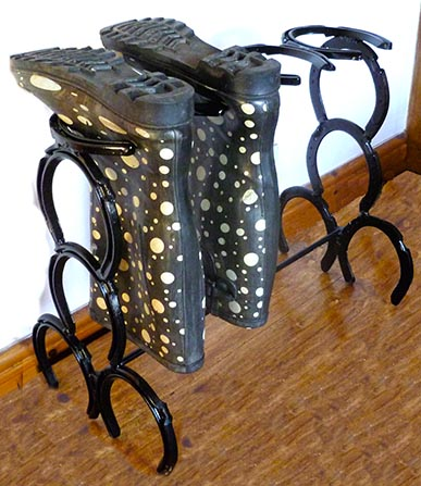 2 Pair Boot Stand Downwards