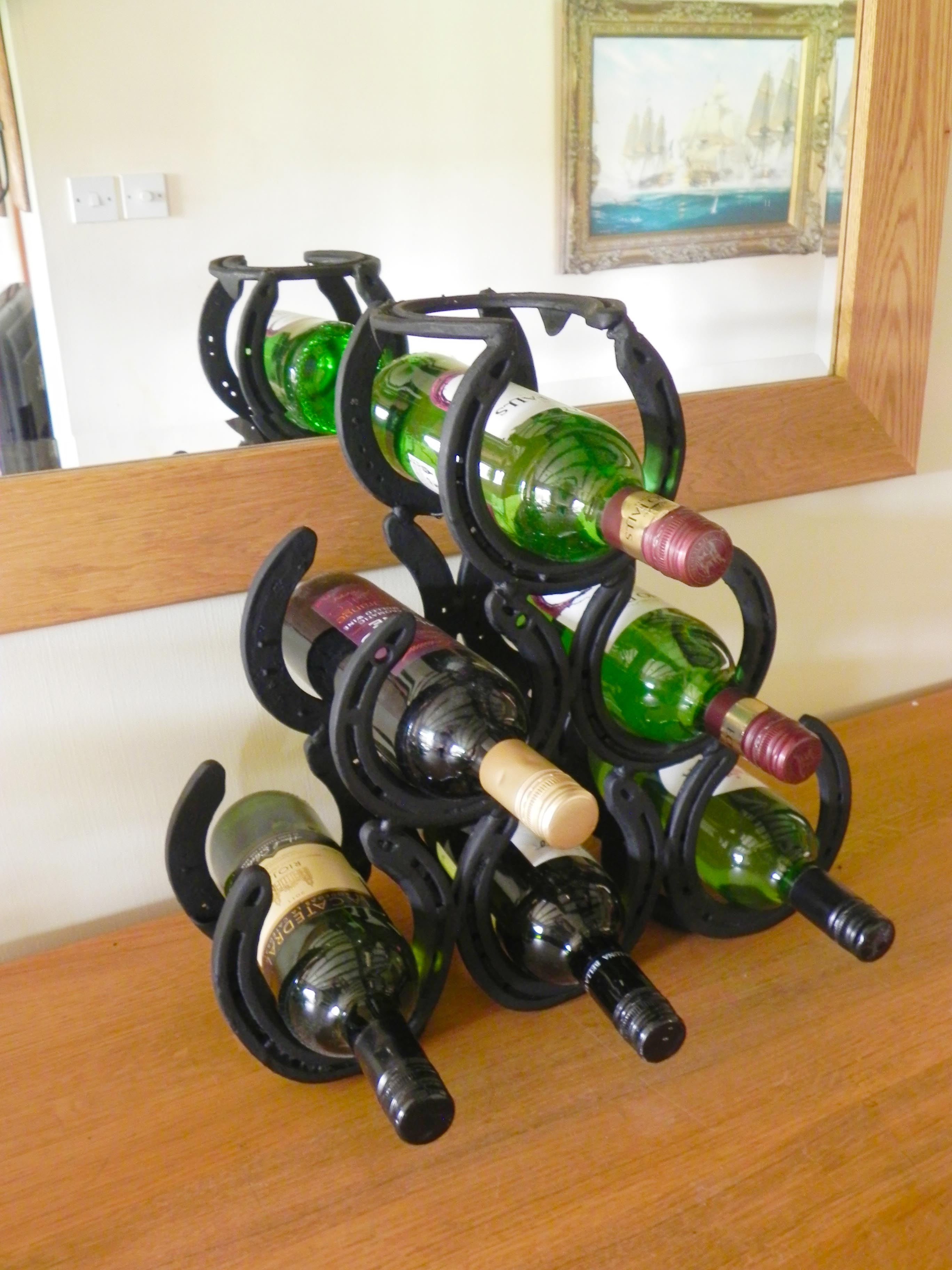Horseshoe 6 Bottle Wine Rack Great Gift